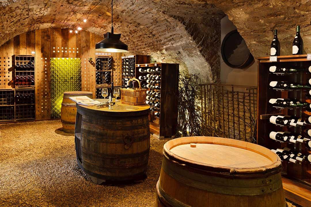 Rangements de cave friax industrie - Weinkeller einrichten ...